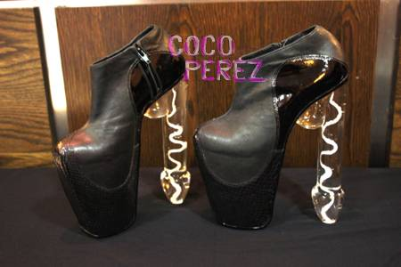 Void-of-course-lady-gaga-penis-heels__oPt